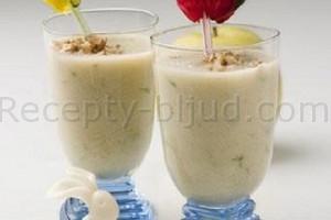 Рецепт напитка бананового с орехами