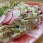 Салат с огурцом и пекинской капустой