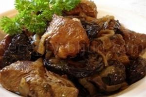 Жаркое из говядины с черносливом рецепт