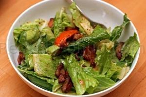 Салат из помидор с беконом рецепт