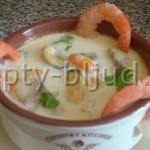 Суп с морепродуктами и грибами