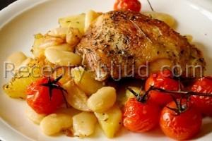 Куриные бедра с картофелем в мультиварке Рецепт