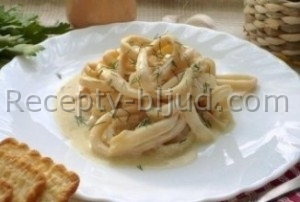 Кальмары в сметанном соусе рецепт