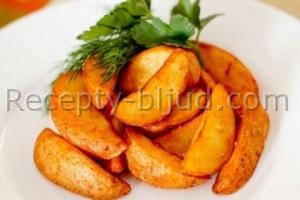 Румяный картофель, запеченный в духовке рецепт