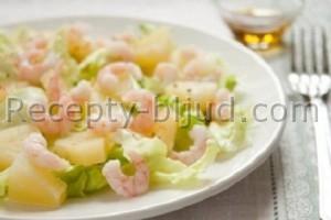 Крабовый салат с ананасом и креветками рецепт