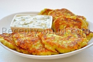 Оладьи из кабачков и колбасы рецепт